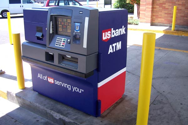 An Oregon ATM that was painted by Redefine Painitng and Design